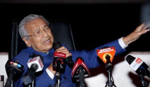 """Saya Tidak Letak Jawatan"" – Mahathir"