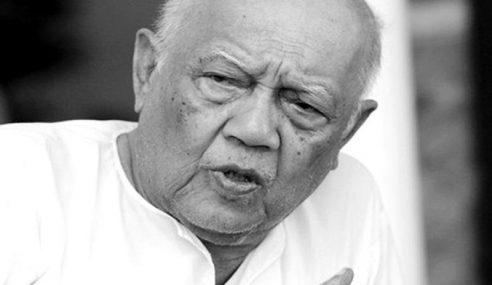 Mantan Menteri Besar Terengganu Meninggal Dunia