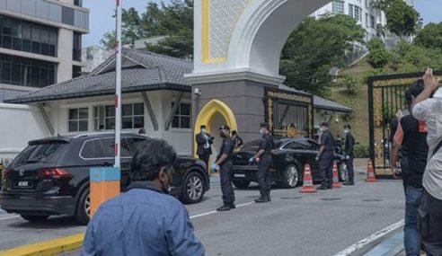 Anwar Tiba Di Istana Negara