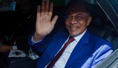 Anwar Tinggalkan Istana Negara, Selesai Menghadap Agong