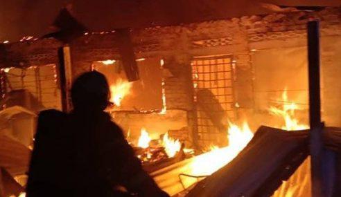 Empat Sekeluarga, Seorang Jiran Maut Dalam Kebakaran