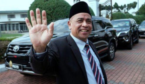 Sultan Nazrin Perkenan Saarani Sebagai MB Perak