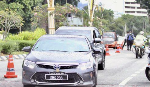 Ahmad Faizal Mengadap Sultan Perak Di Istana Kinta