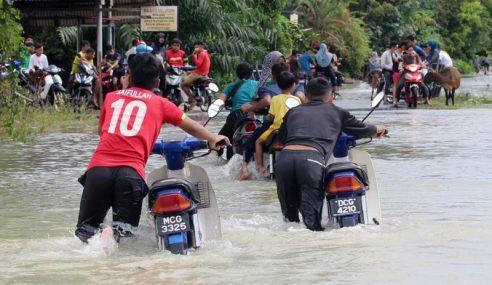 Raub Mula Banjir, Kelantan, Terengganu Terus Terjejas
