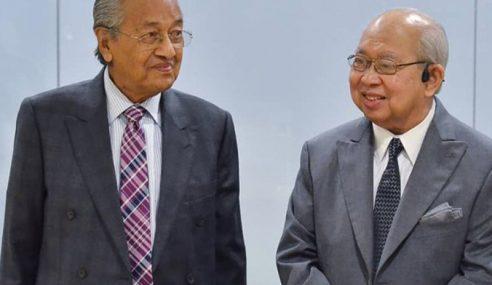 Kerajaan Berisiko Tumbang Esok – Mahathir
