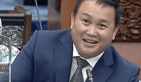 Rakaman CCTV Willie Mongin Tunjuk Jari Tengah Tak Jelas