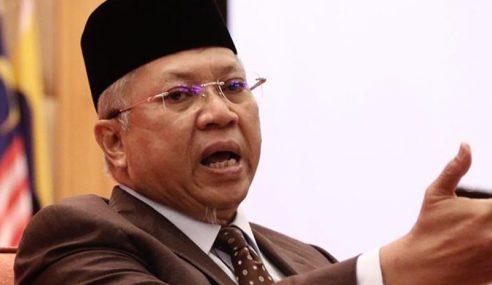 UMNO Kerjasama Dengan DAP Bentuk Kerajaan Baharu – Annuar