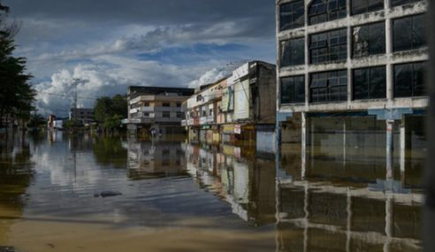 Banjir Di Pahang, Terengganu, Kelantan Bertambah Buruk