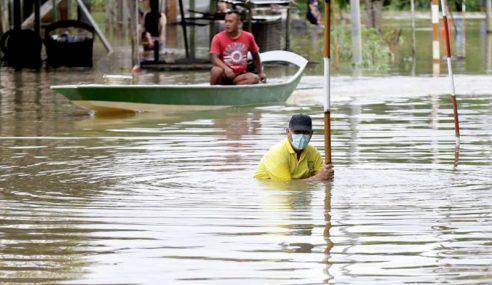 Banjir Semakin Surut Di Sarawak