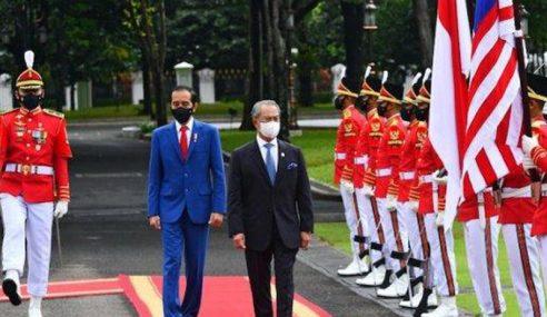 Muhyiddin Diberikan Sambutan Negara Di Istana Merdeka