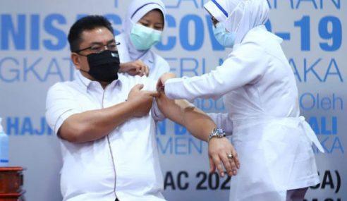 KM Melaka, Wakil Rakyat Terima Suntikan Vaksin COVID-19 Hari Ini