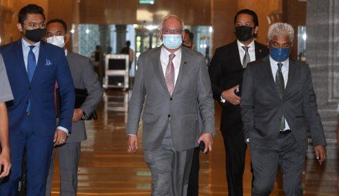 Bicara Kes Najib Libat Dana SRC RM27 Juta Ditangguh