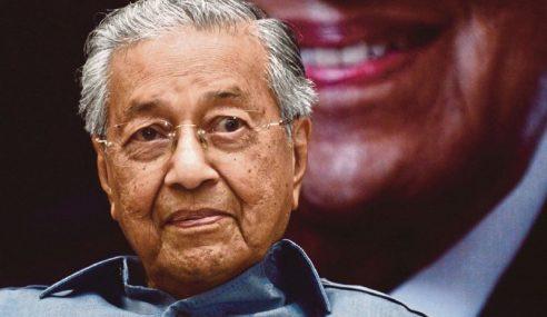 Mahathir Mohon Maaf Tidak Patuh SOP
